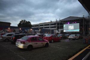 México inicia lenta reapertura de espectáculos con autocinema