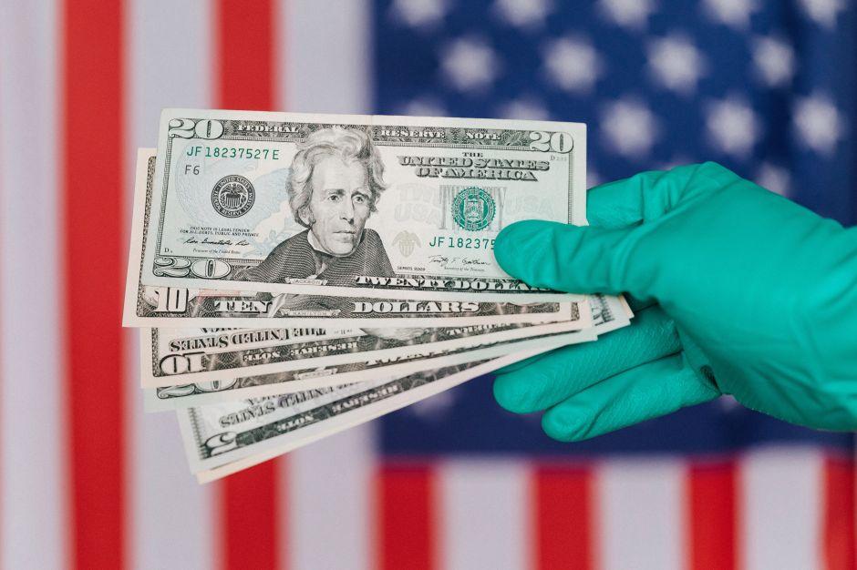 ¿Qué factores podrían hacer que el IRS entregue un segundo cheque de estímulo más rápido?