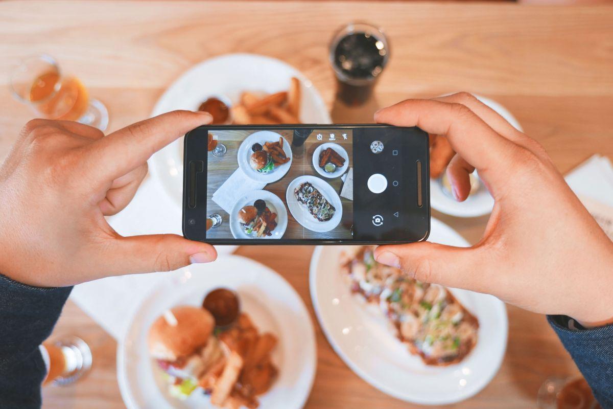 Los mejores 4 accesorios para celular si tienes un iPhone o Androide