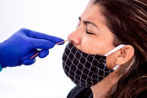 Alertan de peligroso récord de pacientes con coronavirus en hospitales de Los Ángeles