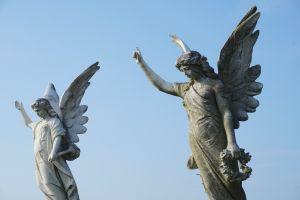 Cómo usar un amuleto para llamar a los ángeles y qué color elegir según el que quieras convocar