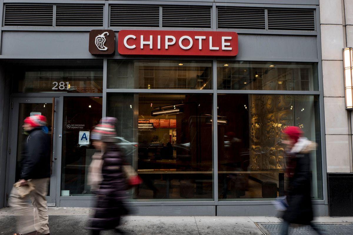 La compañía acreditó nuevos elementos de menú, pedidos en línea. Durante el trimestre, Chipotle lanzó arroz de coliflor, que representó un éxito.