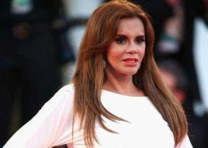 """""""El Puma"""" aclara 35 años después escándalo con Lucía Méndez por pleito con Televisa"""