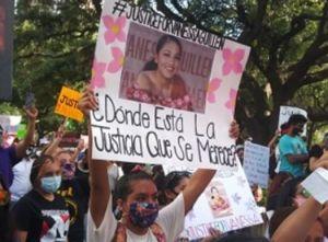 """Hermana de Vanessa Guillén: """"La historia que nos han dado es mier...""""; miles marcharon en Houston"""
