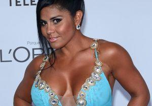 Maripily Rivera se sacó la camisa y debajo no llevaba sostén, solo un par de pantalones rotos