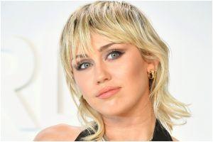 """Miley Cyrus: """"Las mujeres son más atractivas que los hombres"""""""