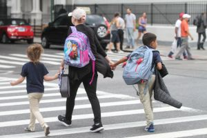 Departamento de Salud de Los Ángeles no considerará otorgar permisos de apertura a las escuelas
