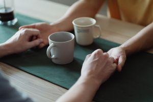 Cómo hacer un hechizo con café para conquistar a la persona que te gusta