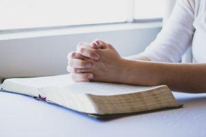El arcángel Chamuel ayuda a sanar tus penas de amor y te decimos cómo invocarlo
