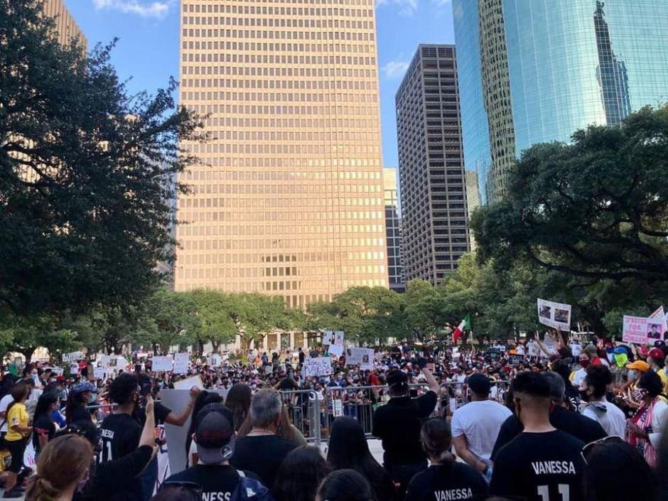 """Familia de Vanessa Guillén llama a protestas masivas con mensaje zapatista: """"Si no hay justicia para el pueblo, que no haya paz para el gobierno"""""""