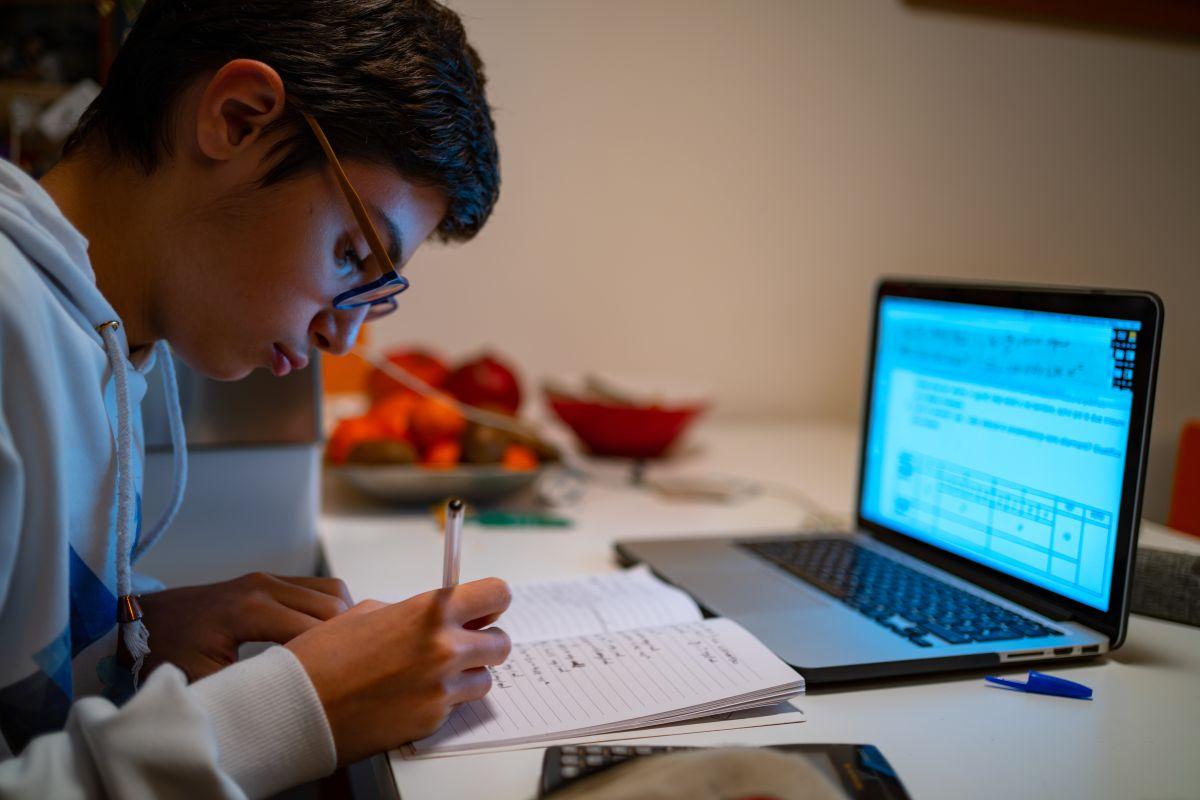 Compara, compra y ahorra: Las 4 mejores computadoras portátiles para estudiantes de secundaria