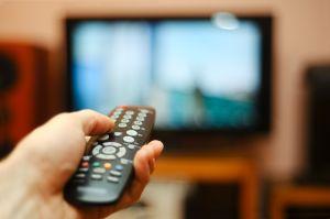 Reportera de Florida se entera que tiene cáncer gracias a la curiosa observación de un televidente