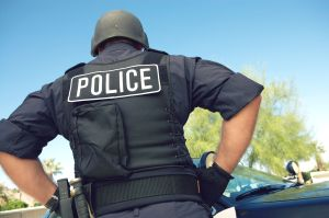 El gran gesto de un policía para calmar a un niño durante un grave accidente vial