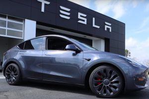 Si compras un Tesla en China, ahora la empresa te lo envía en el color que elijas