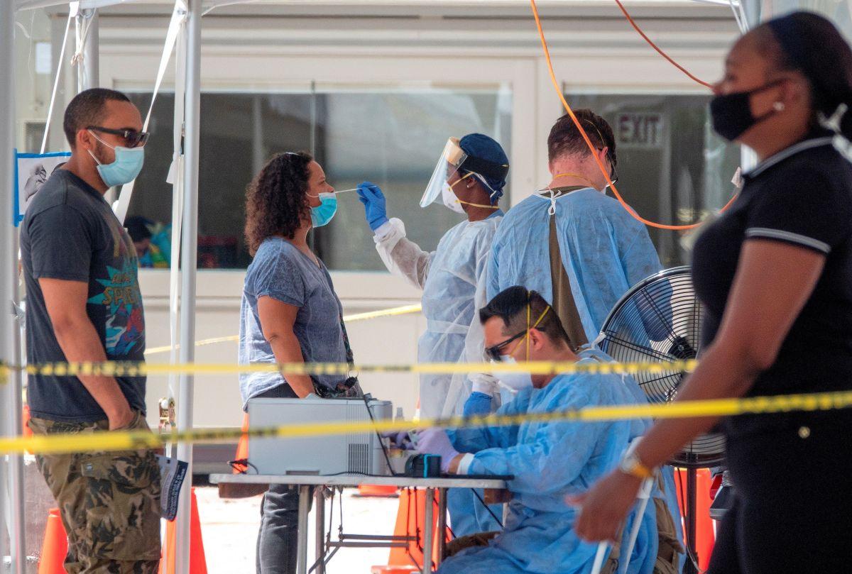 En Los Ángeles, los inmigrantes indocumentados tienen derecho a pruebas, tratamientos y vacunas. (Cortesía EFE)