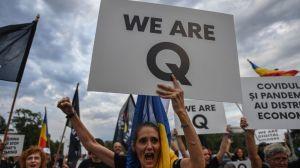 QAnon en América Latina: Cómo y por qué grupos asociados a esta teoría conspirativa se han multiplicado en la región