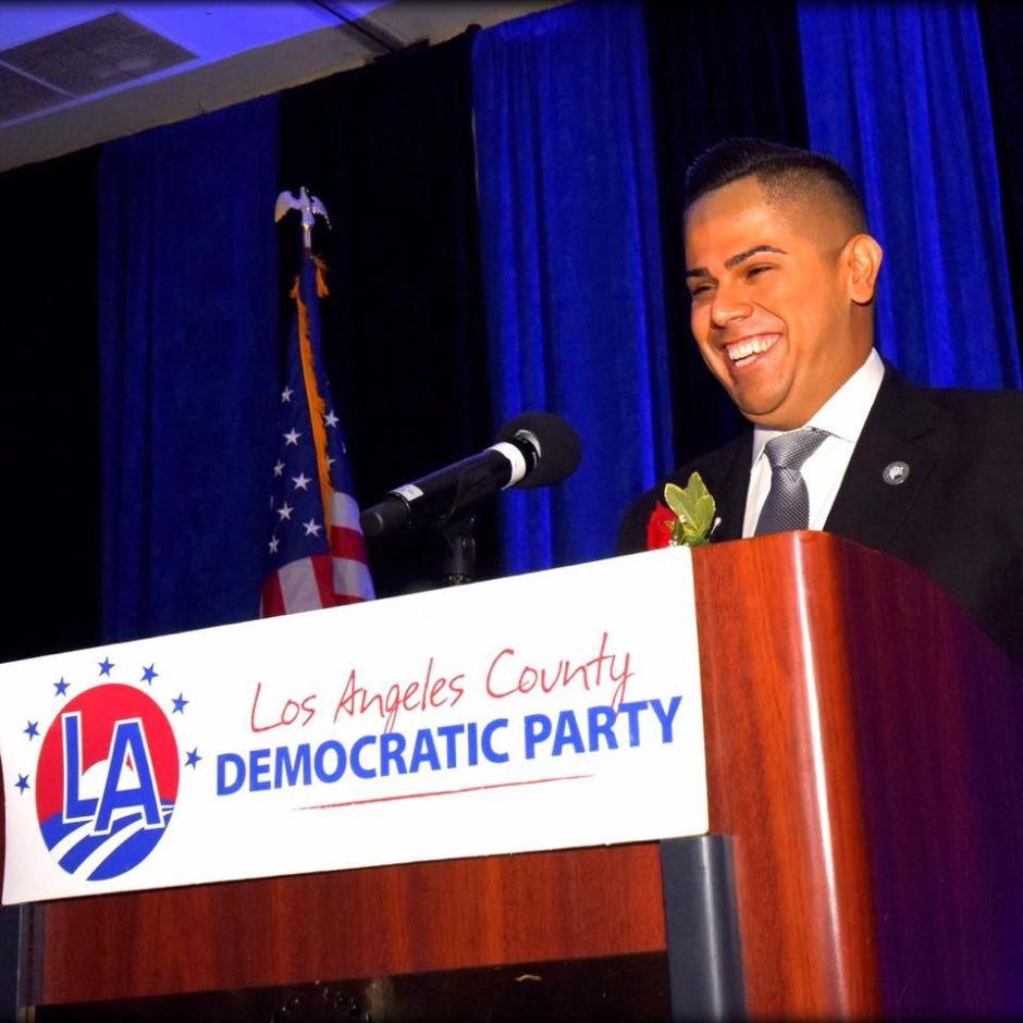 Mark González, primer latino en dirigir a los demócratas en Los Ángeles