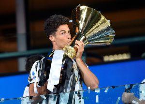 Se molestó: Reportan berrinche de Cristiano Ronaldo tras perder la Bota de Oro y el MVP de la Serie A