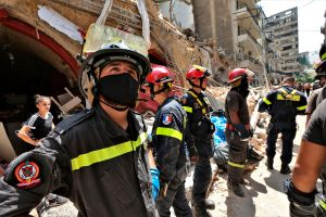 Rescatan a niña que pasó 24 horas bajo los escombros tras explosión en Beirut