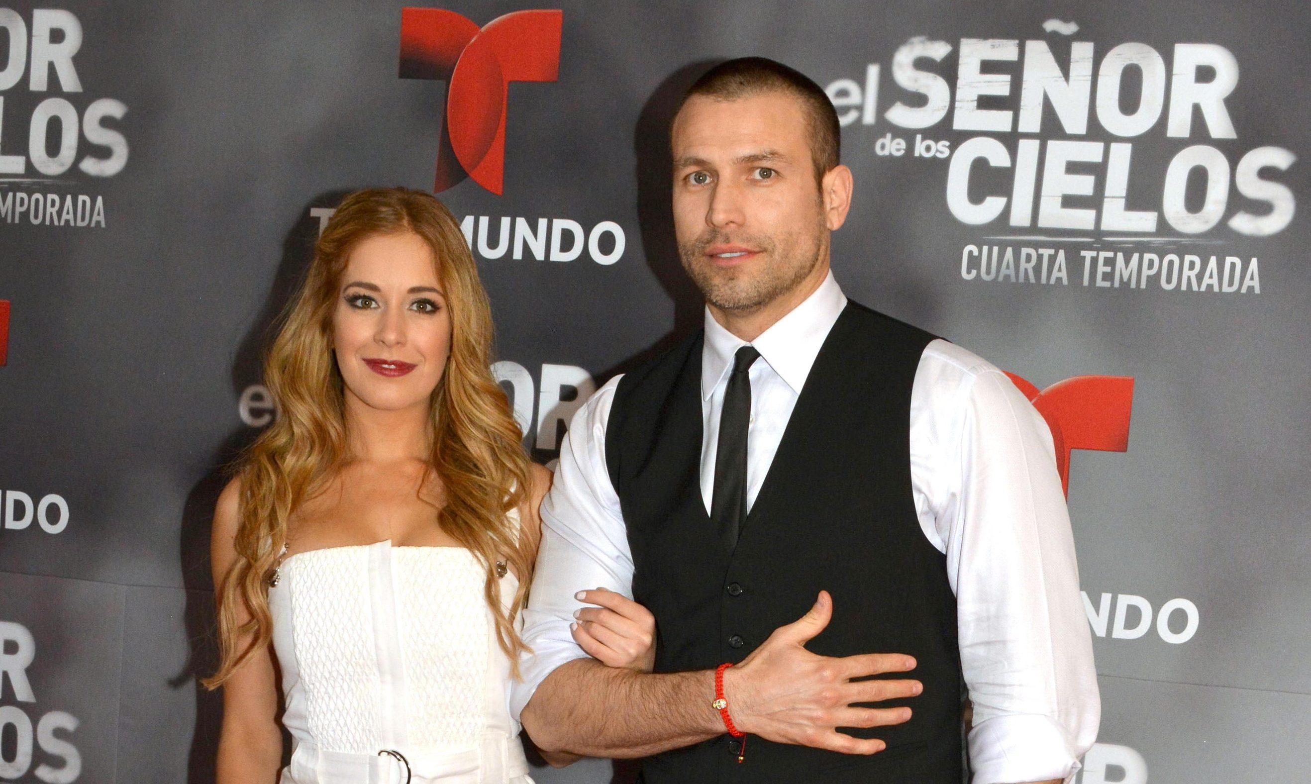 Carmen Aub junto a Rafael Amaya.
