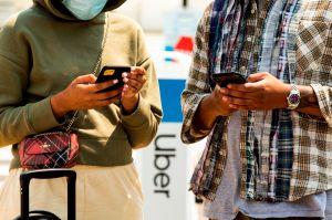 Tribunal de California: Lyft y Uber deben clasificar a los conductores como empleados