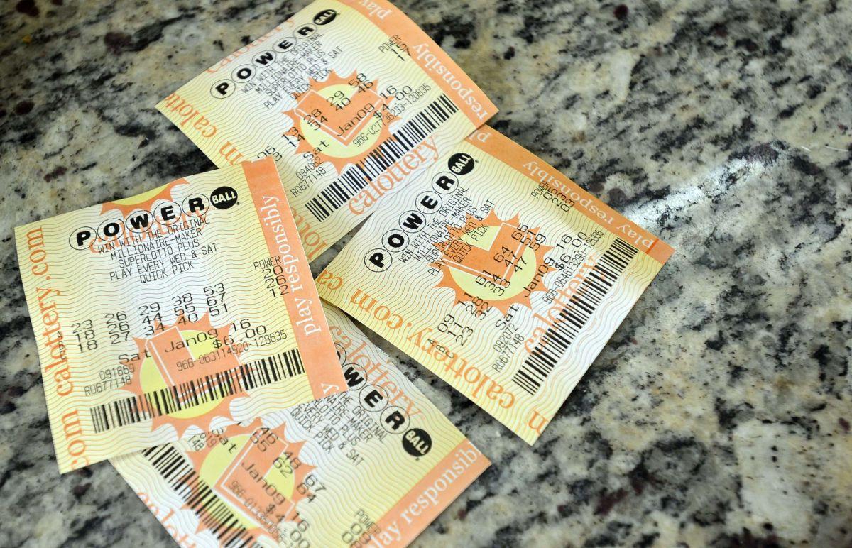 Jugador encontró un boleto perdido de Powerball de $150,000 días antes de su vencimiento