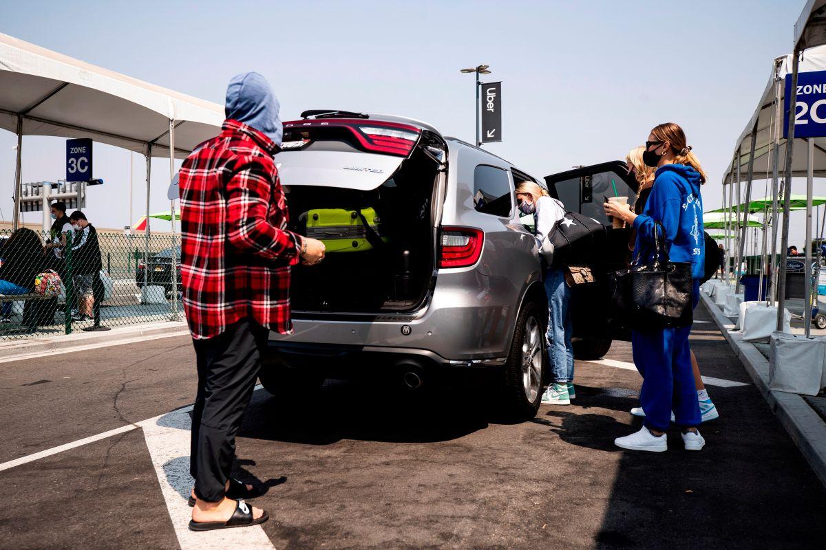 Qué significa la aprobación de la Proposición 22 para los conductores de Uber, Lyft, DoorDash y otras compañías