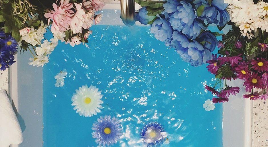 Los mejores productos para darte un baño relajante en la tina