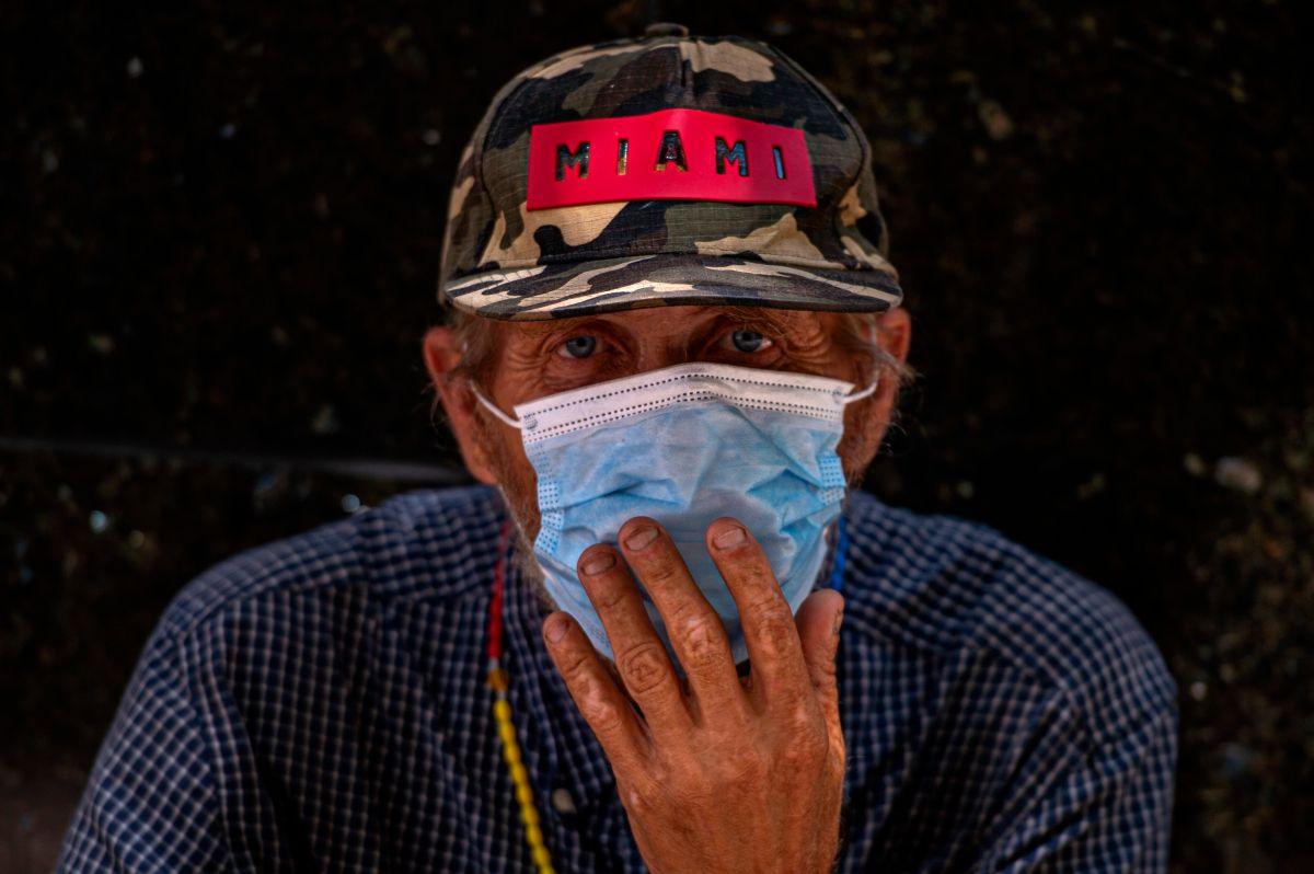 Las autoridades insisten en que el uso de mascarillas es vital.