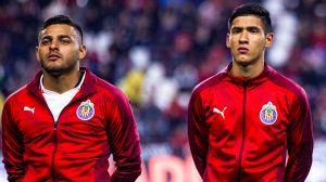 Chivas perdona a medias a Uriel Antuna y Alexis Vega, les darán donde más les duele