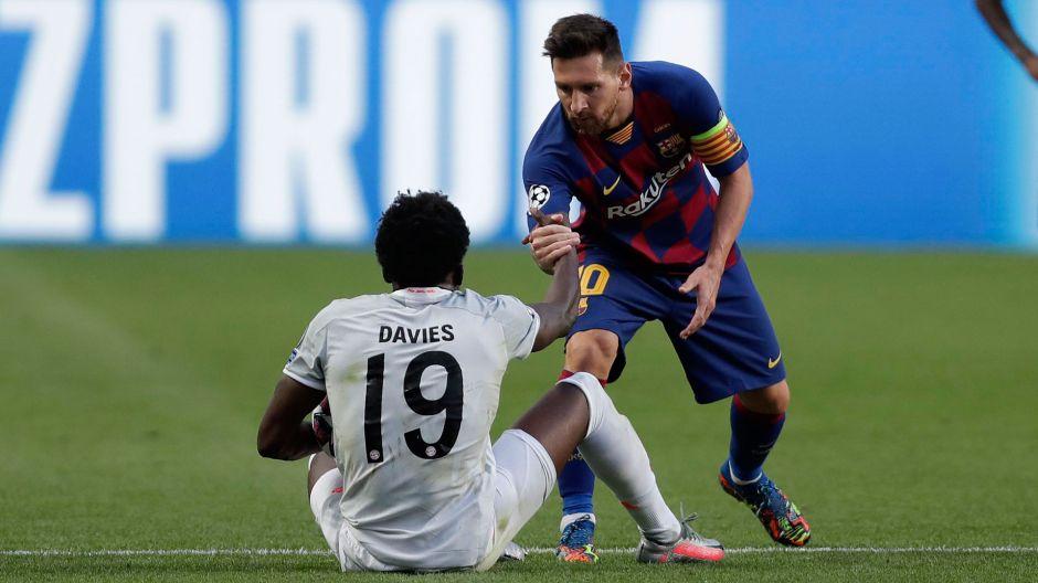 Alphonso Davies: De refugiado a humillar a su gran ídolo, Messi