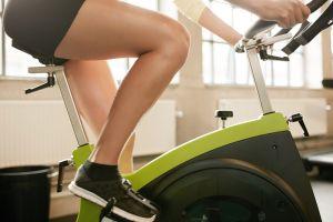 7 beneficios de hacer ejercicio en bicicleta estática