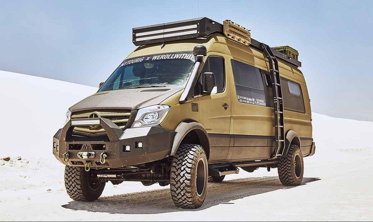 Este nuevo camper de Mercedes parece salido de ciencia ficción, lo tiene todo