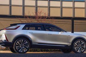 Cadillac se suma a la tendencia lanzando su nuevo SUV eléctrico, el Cadillac Lyriq