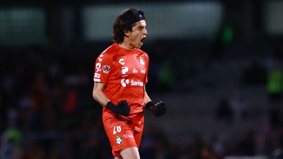 La historia de Carlos Acevedo: Después de ser rechazado ahora es figura de la Liga MX