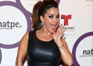 '¿Por qué todo el tiempo desnuda?': Carolina Sandoval recibe explosivas críticas por sus videos atrevidos