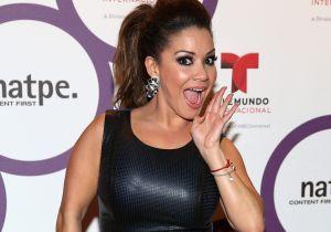 Carolina Sandoval sale mostrando 'las pechugas' en el 'Almuerzo con Caro'