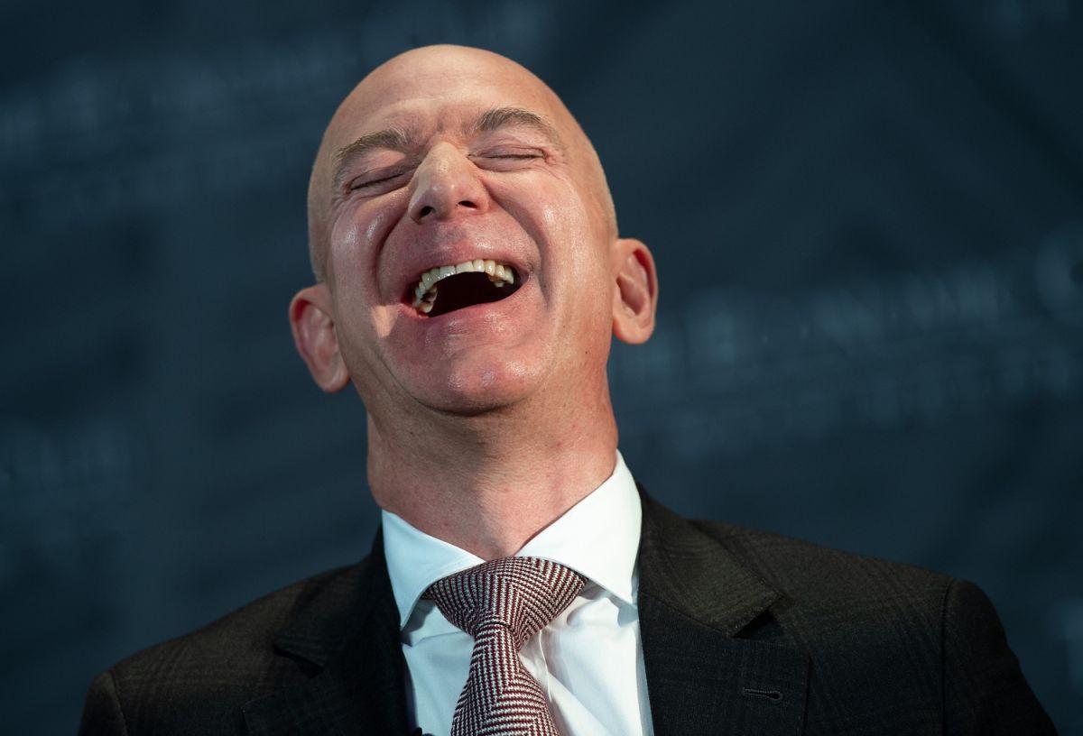 La oficina de Jeff Bezos es a prueba de balas y explosiones