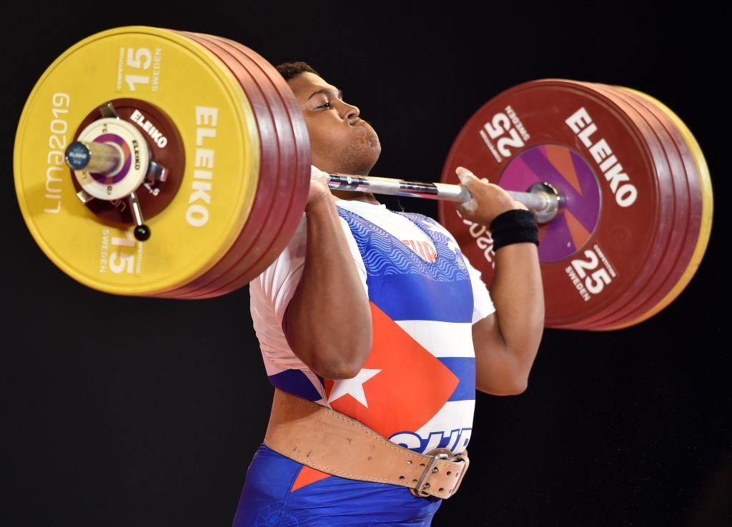 La halterofilia es uno de los deportes que requieren mayor fuerza y concentración.