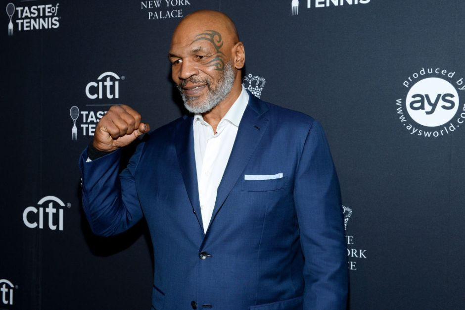 ¡Sin piedad! Mike Tyson golpea a su sparring en un entrenamiento previo a su regreso al ring