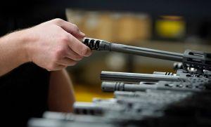 Las ventas de armas en Estados Unidos aumentan 134% en julio alcanzando un nuevo récord