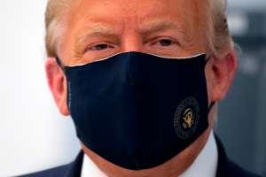 Trump pide a sus seguidores que usen mascarilla a través de email de campaña
