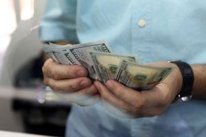 IRS distribuirá cheques de reembolso de impuestos y anuncia que pagará intereses por atrasos