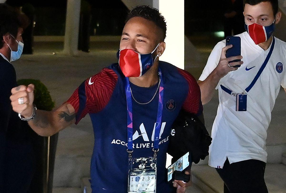 Neymar se pasó de festejos: se burló hasta de Maluma tras robarle a Natalia Barulich