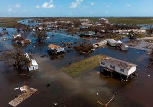 Al menos 15 muertos dejó el huracán Laura a su paso por Estados Unidos