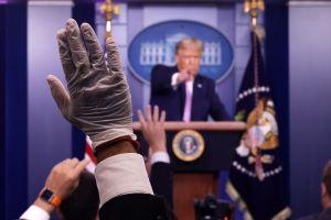 Trump busca crear nuevos empleos por decreto después de anunciar los $400 dólares por desempleo