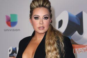 Chiquis Rivera regresa a Instagram, mostrándose en la cama y sin ropa interior