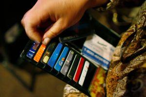Las 3 mejores tarjetas de crédito para comprar en el supermercado
