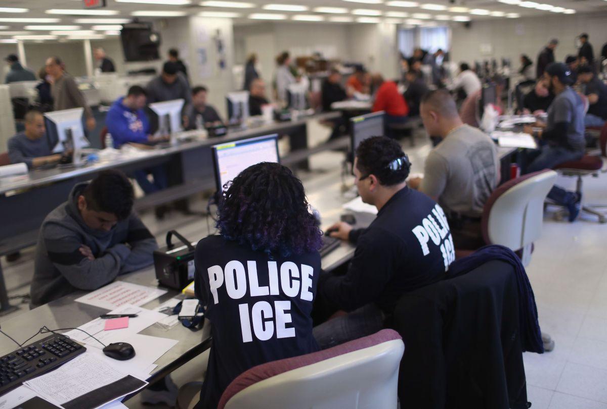 Los inmigrantes no detenidos por ICE pueden tener audiencias de deportación por video.