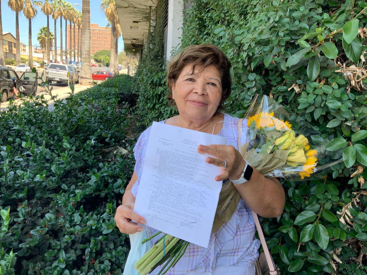 TPSiana obtiene residencia, pero COVID-19 retrasa su 'green card'